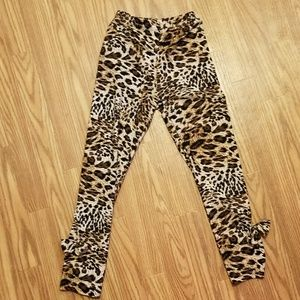 Other - Leopard Cheetah Print Leggings with Bows